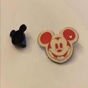 Disney pin hidden Mickey 2008